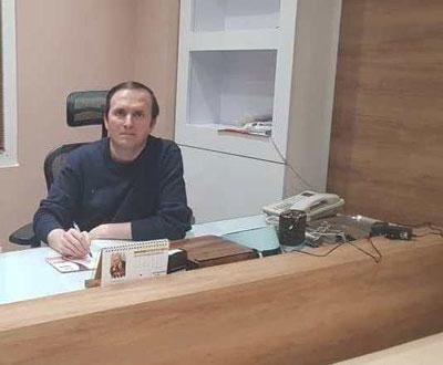 دکتر پارسا خاکزاد جراح زیبایی بینی تهران 2