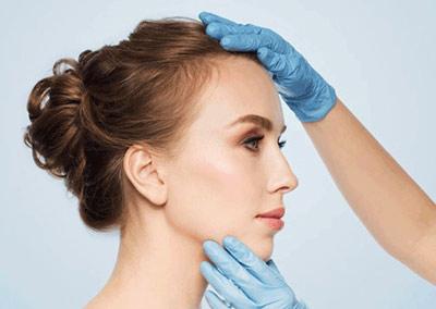 مقایسه جراحی بینی با بیهوشی و بی حسی